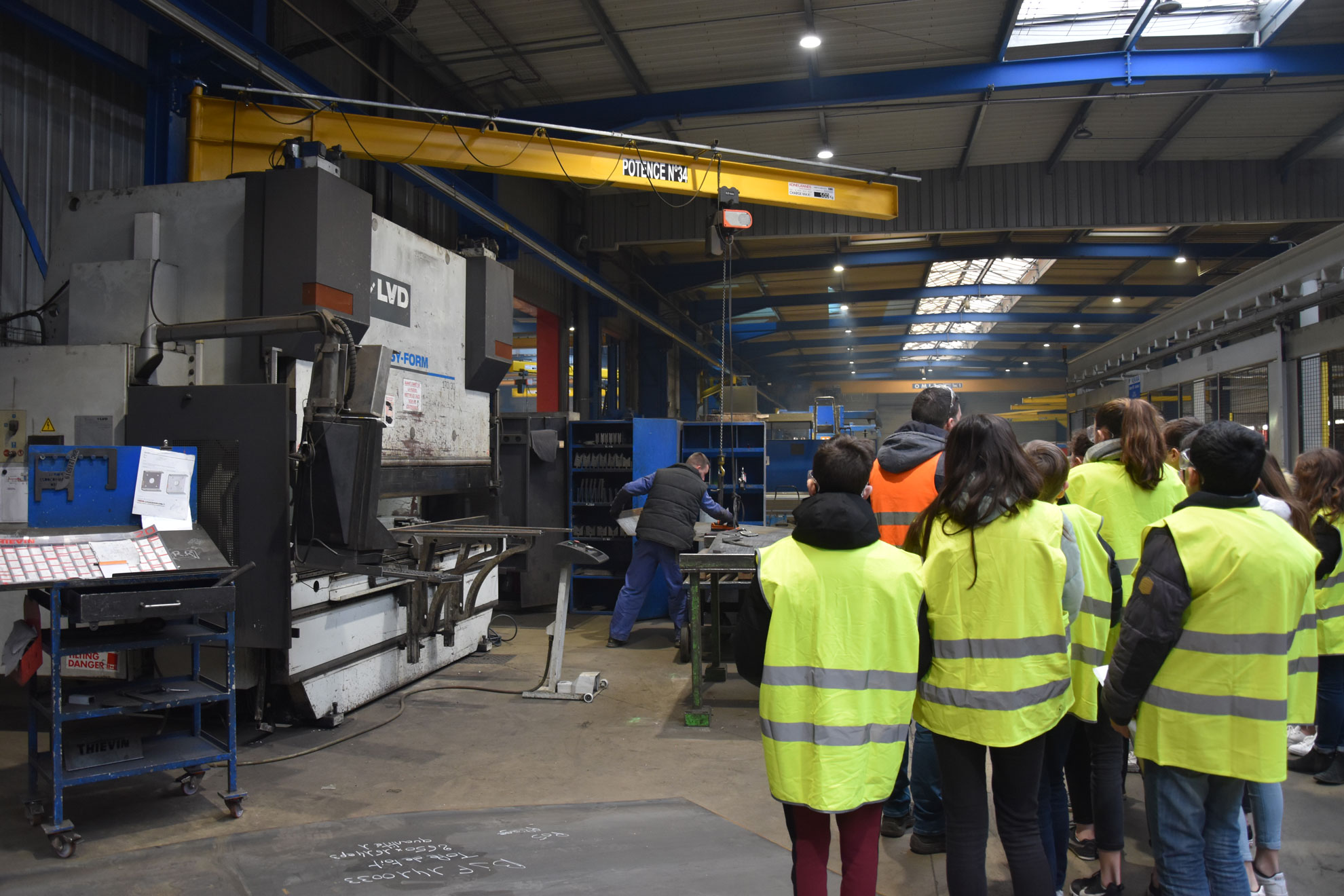 Visite de l'entreprise Thiévin par des collégiens à Vallons-de-l'Erdre (Saint-Mars-la-Jaille).