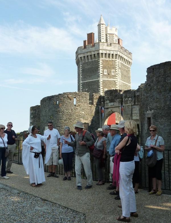 Visite guidée des journées du patrimoine du Château médiéval d'Oudon